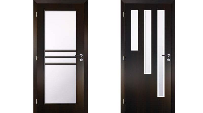 Černé prosklené dveře do interiéru
