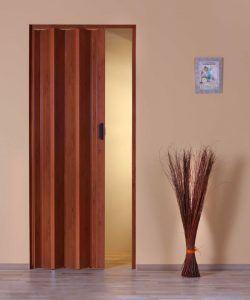 Dveře posuvné.