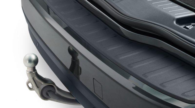 Tažné zařízení za auto